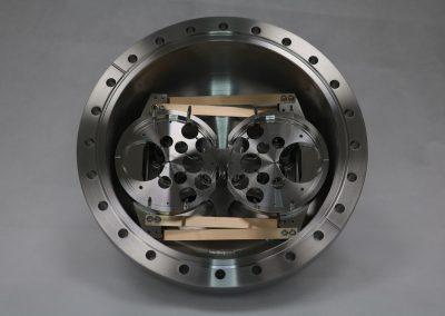 monocrystal manipulator