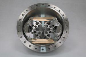 ultra high vacuum instrument manufacturers